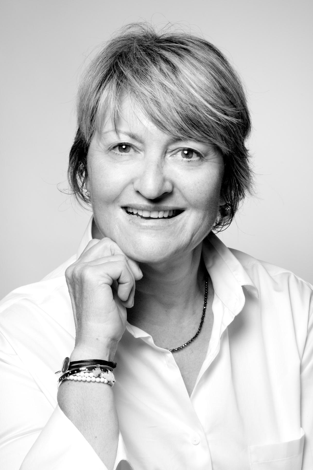 Photo noir et blanc femme d'entreprise