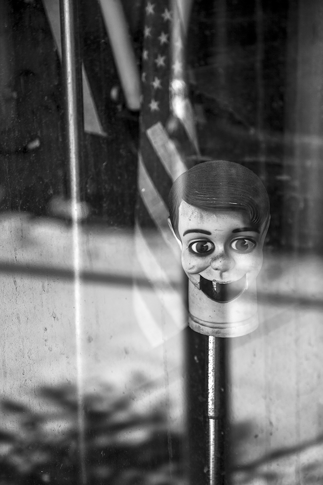 6_STOREFRONT WINDOW DUMMY, NYC.jpg