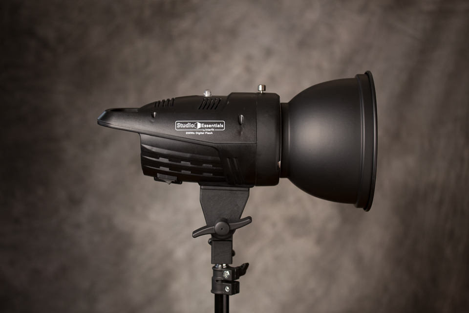 value flash with reflector