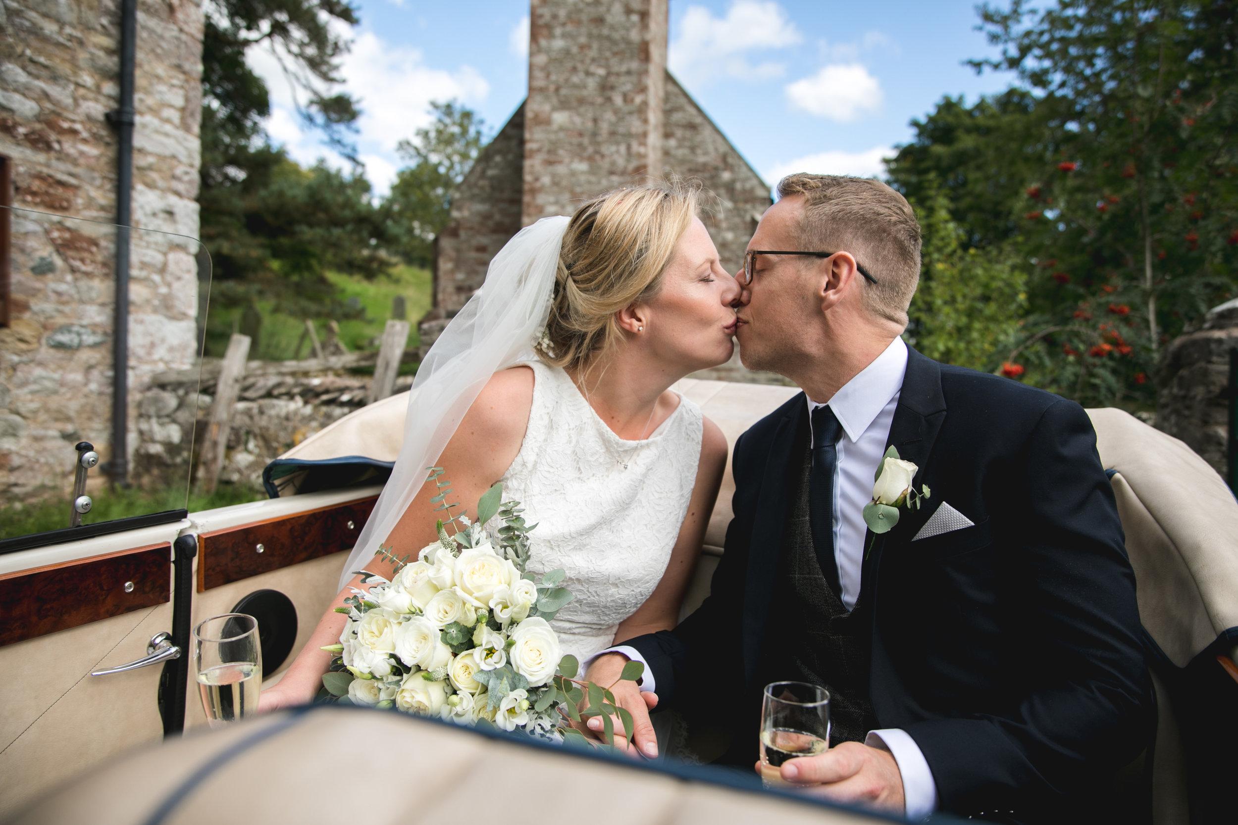 NEWCASTLE WEDDING PHOTOGRAPHER-1-191.jpg