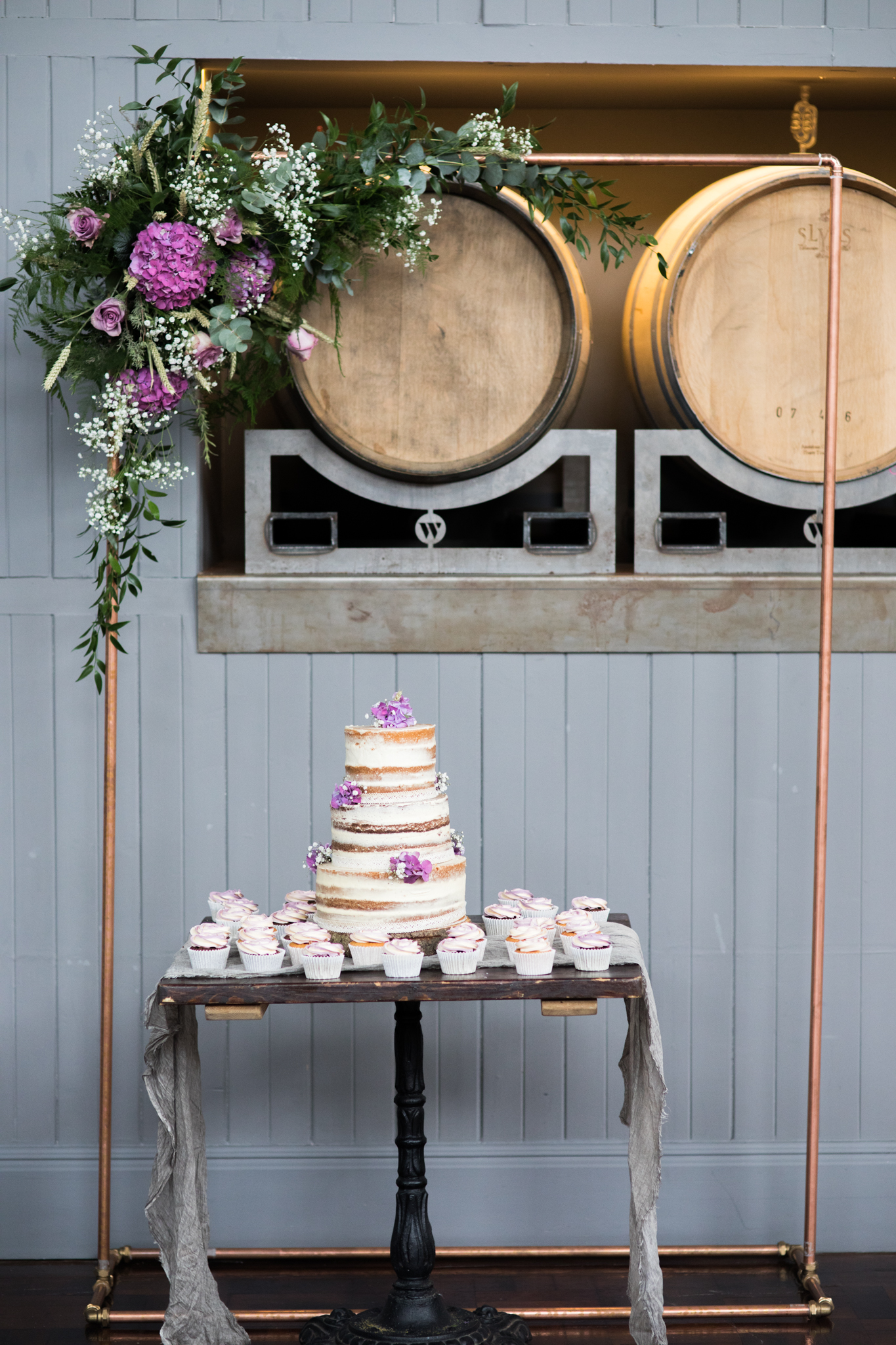 cupcake-weddingcake-1.jpg
