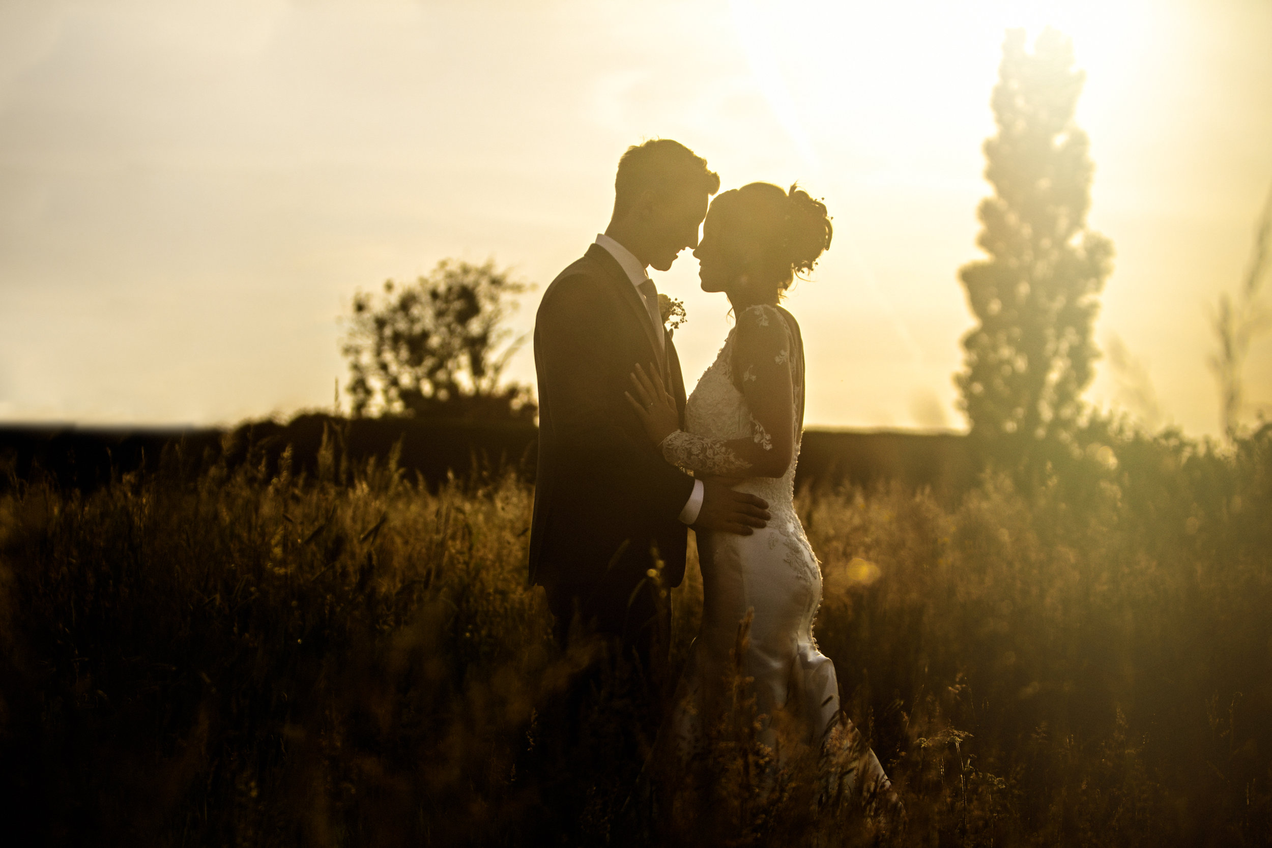 Your Day, Your Story - Relaxed wedding photography capturing precious moments and stunning portraits