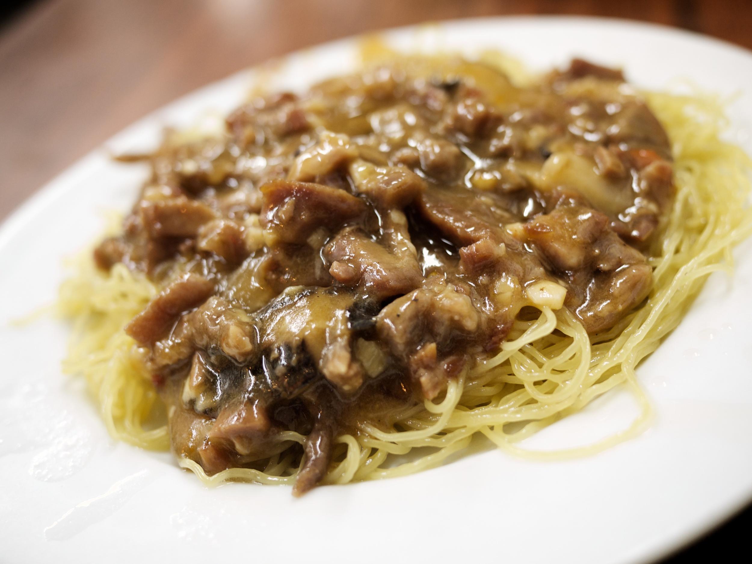 FOOD-Noodles_2011-09-08_19-41-20_P1040508_©JosephLinaschke2011.jpg