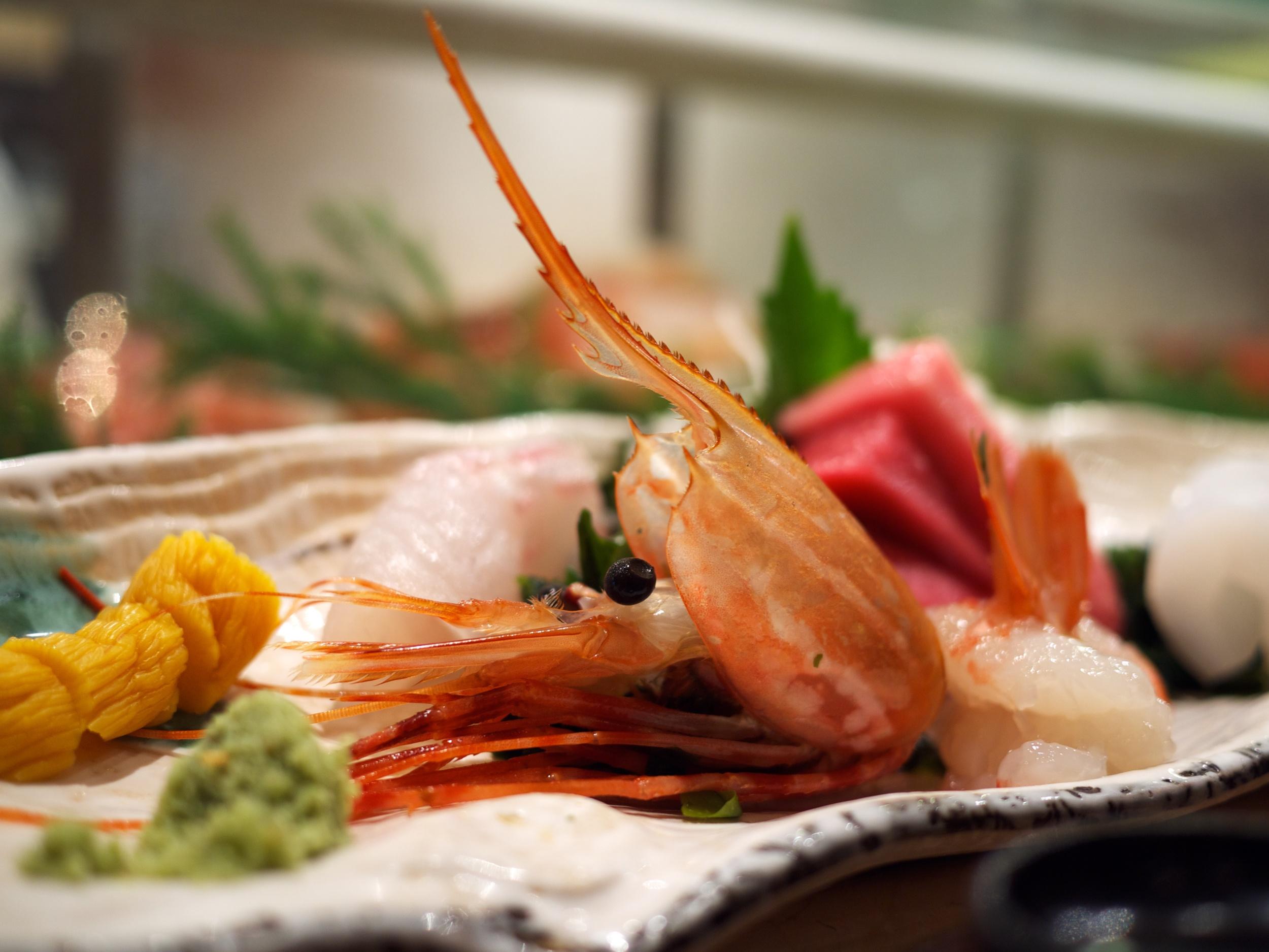FOOD-SushiShin_2011-09-04_12-22-46_P1040262_©JosephLinaschke2011.jpg