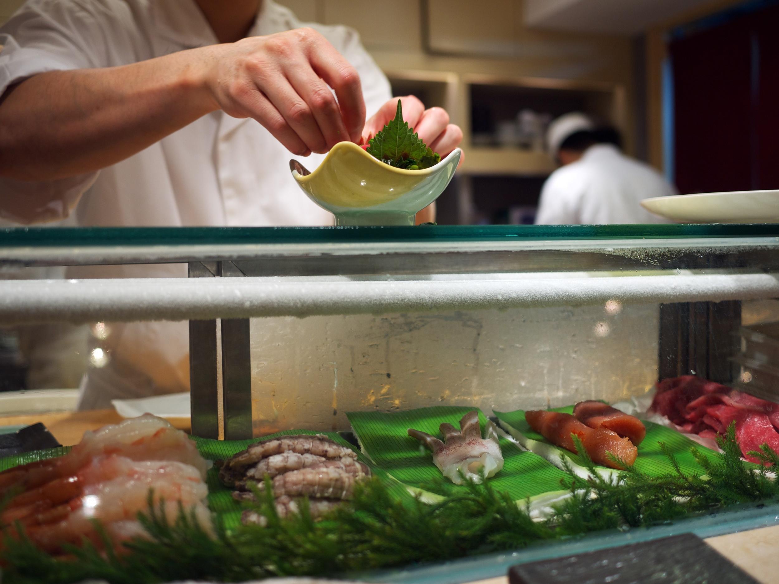 FOOD-SushiShin_2011-09-04_12-22-53_P1040263_©JosephLinaschke2011.jpg