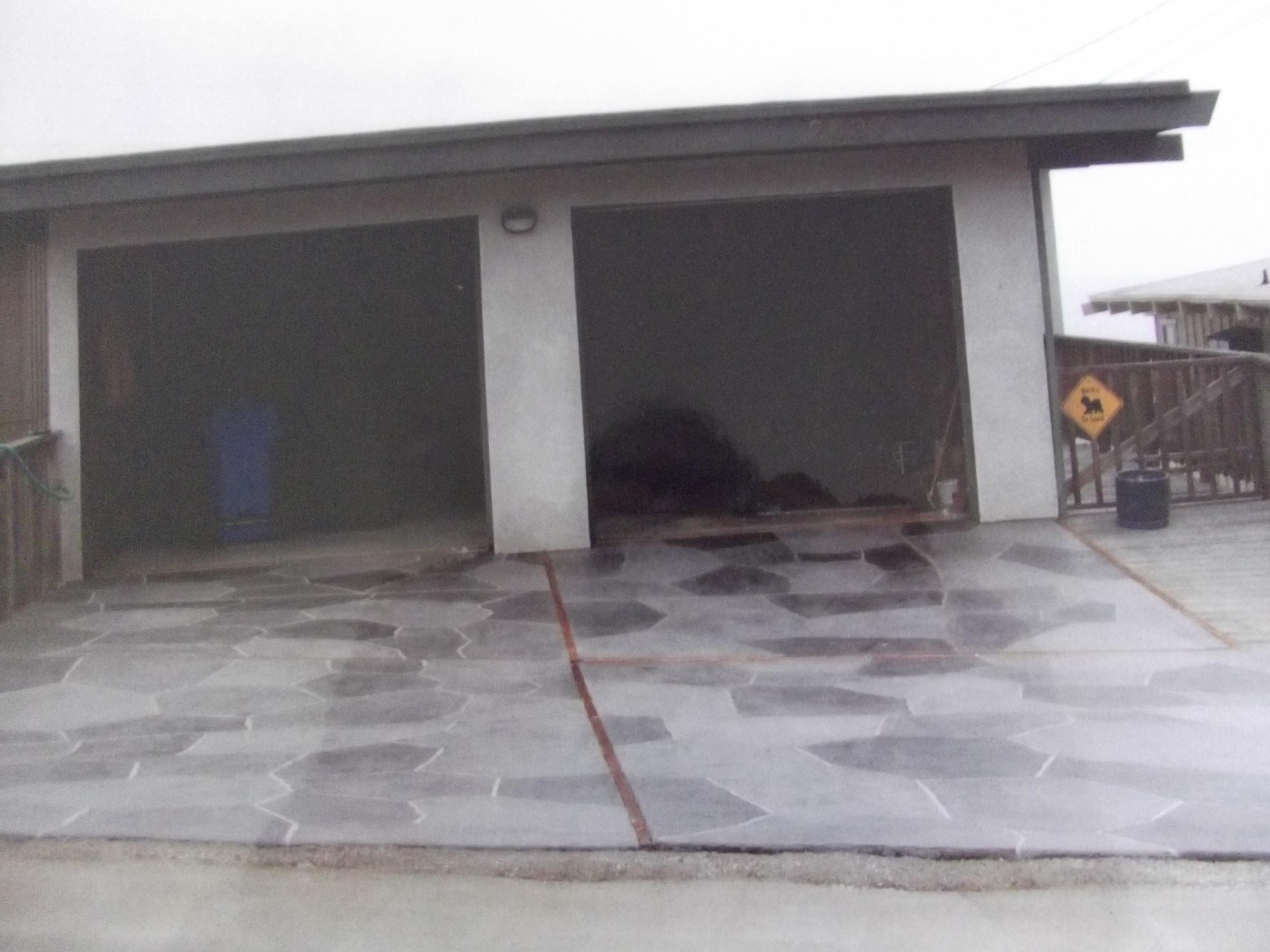 Multi-colored gray flagstone in Morro Bay