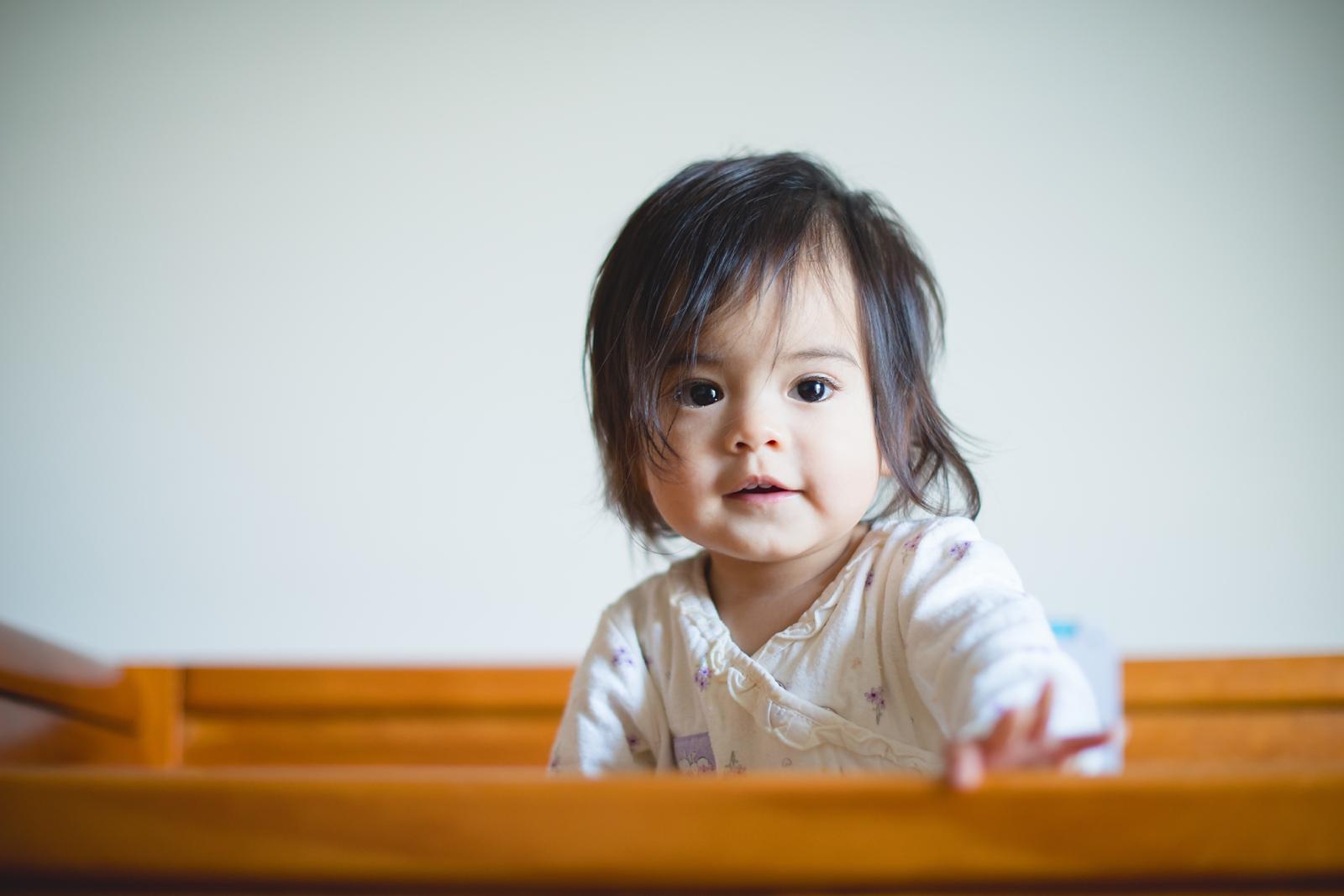 20130814-Amelia Stands in Crib-BLOGGrid_0001.jpg
