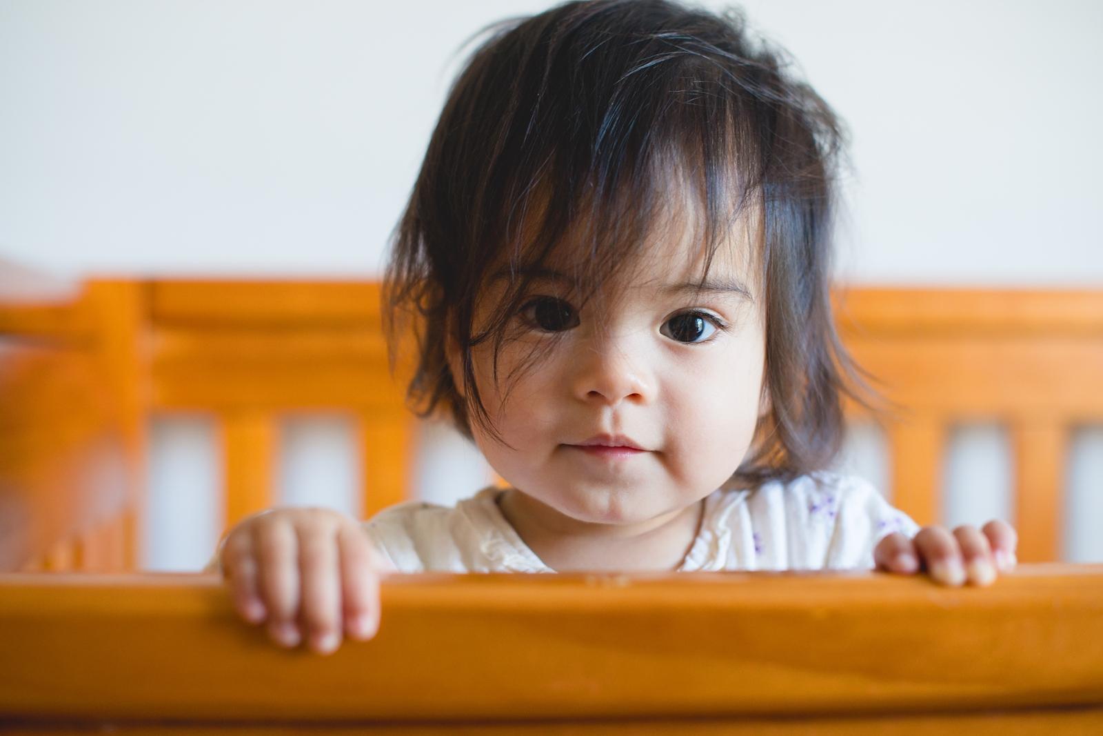 20130814-Amelia Stands in Crib-BLOGGrid_0006.jpg