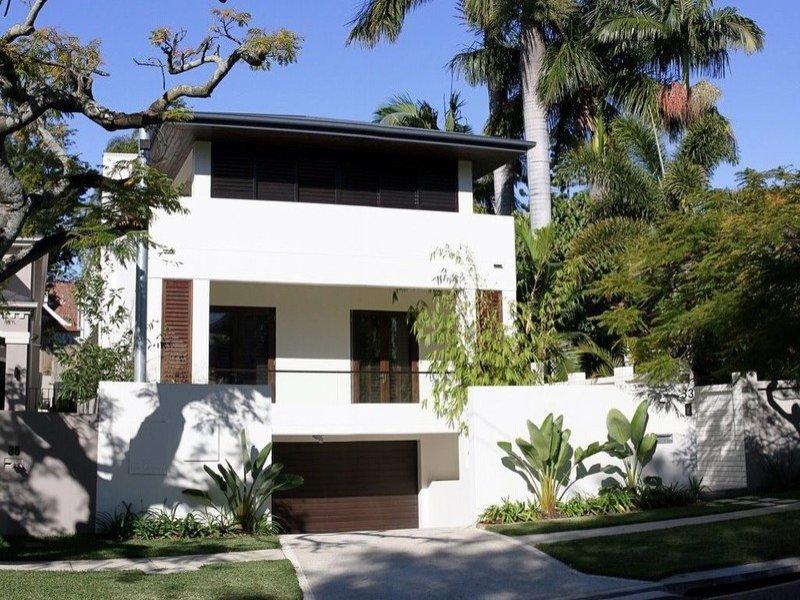 33 sparkes avenue, hamilton. sold for $2,100,000