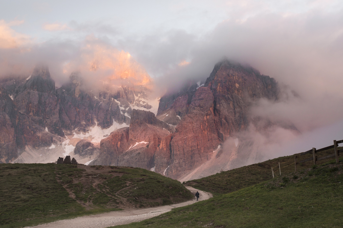 Endless stunning views and great paths to walk - Passo Rolle