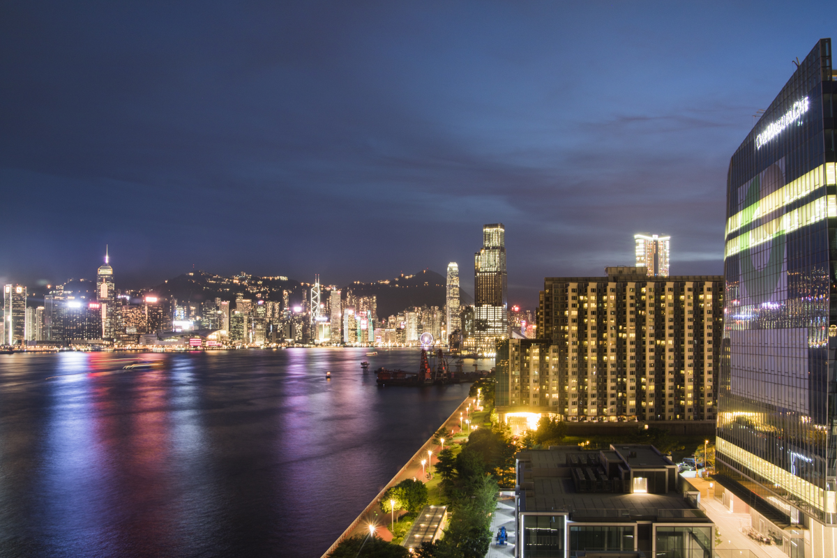 From the Sugar Bar, you have an outstanding view over the Hong Kong skyline.