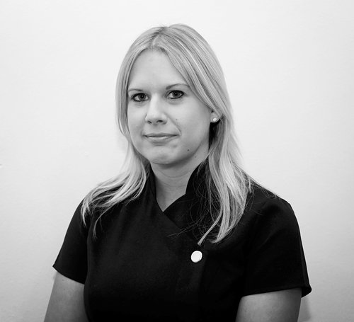 Mrs Joanne Bradbury Dip Hyg/Therapy   I joined The Buxton Dental Practice as a Dental Hygienist in 2009 and work alongside the dentists here. Outside of work I enjoy spending time with my family and friends and also helping my husband out on the farm.