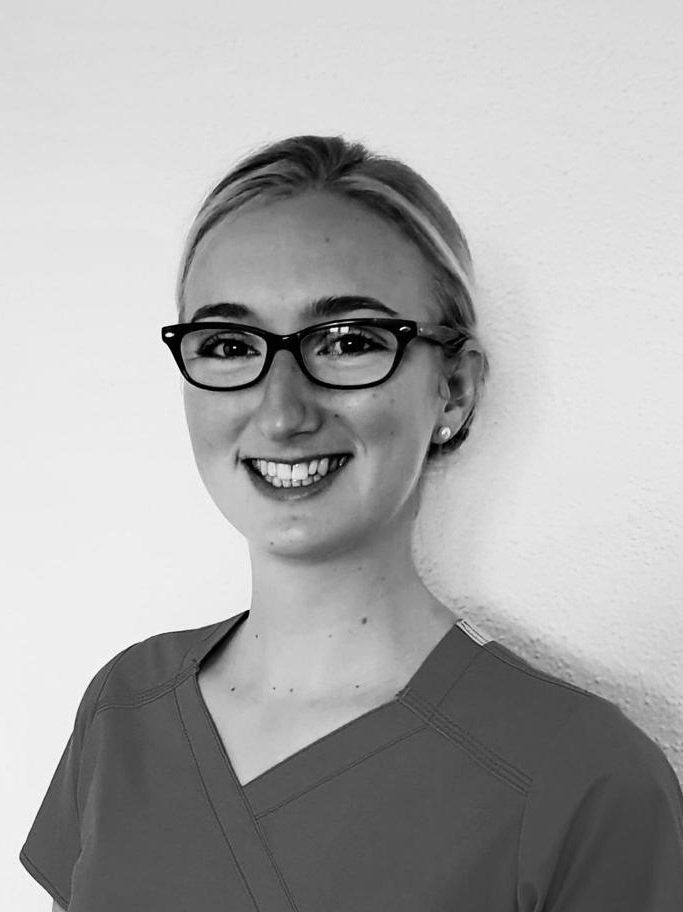 Alannah Birtwistle   Dip Hyg/Therapy   Another fantastic clinician has joined the team here at Buxton Dental. Alannah has been looking after those fantastic smiles and helping us to ever improve on them.  A superb runner, you'll no doubt see Alannah run past you one weekend. Don't forget to say hello.