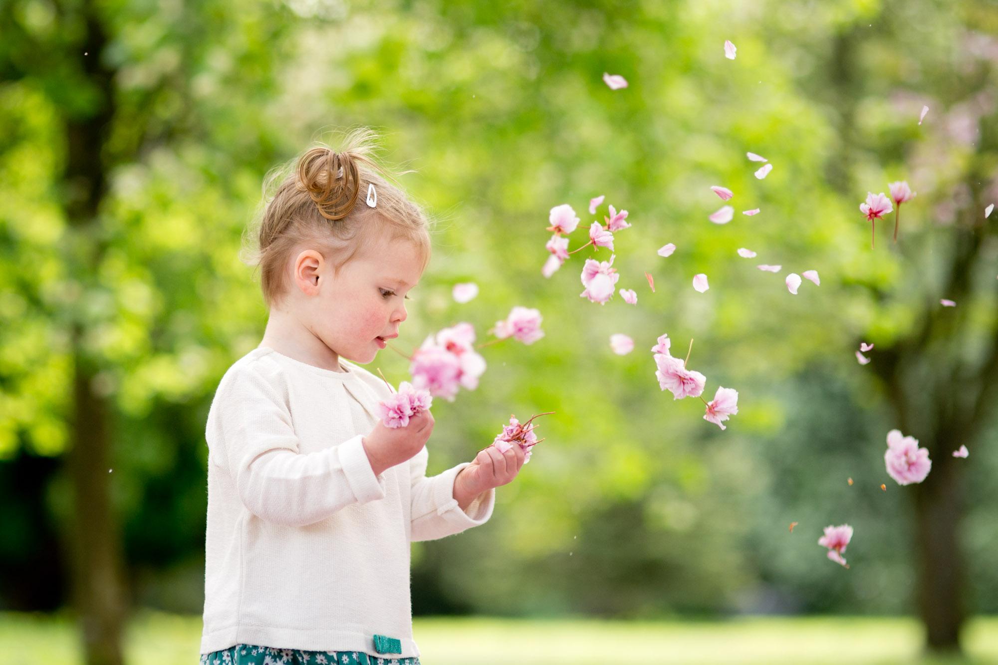 family-portrait-photography-spring-blossom-13.jpg