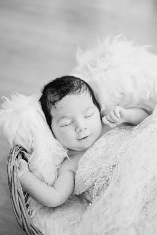 newborn-portrait-photography-kingsnorth-29.jpg
