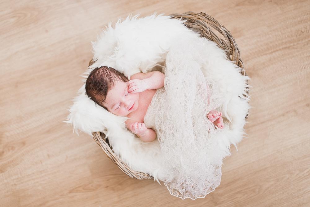newborn-portrait-photography-kingsnorth-34.jpg