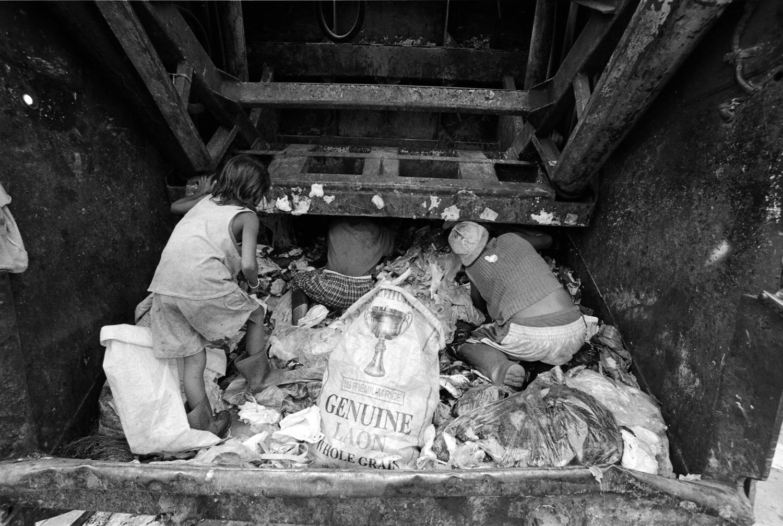 poverty smokey mountain philippines manila trash garbage kids