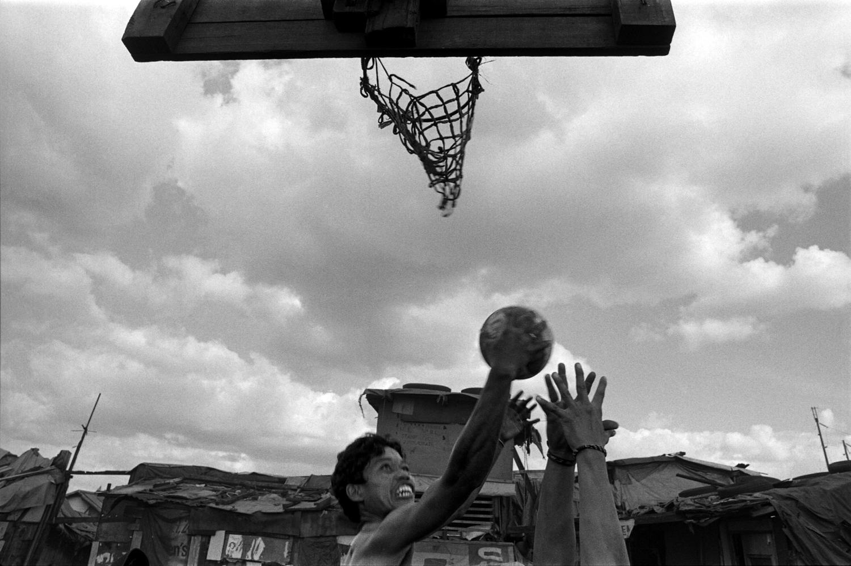 philippines manila basketball smokey mountain poverty