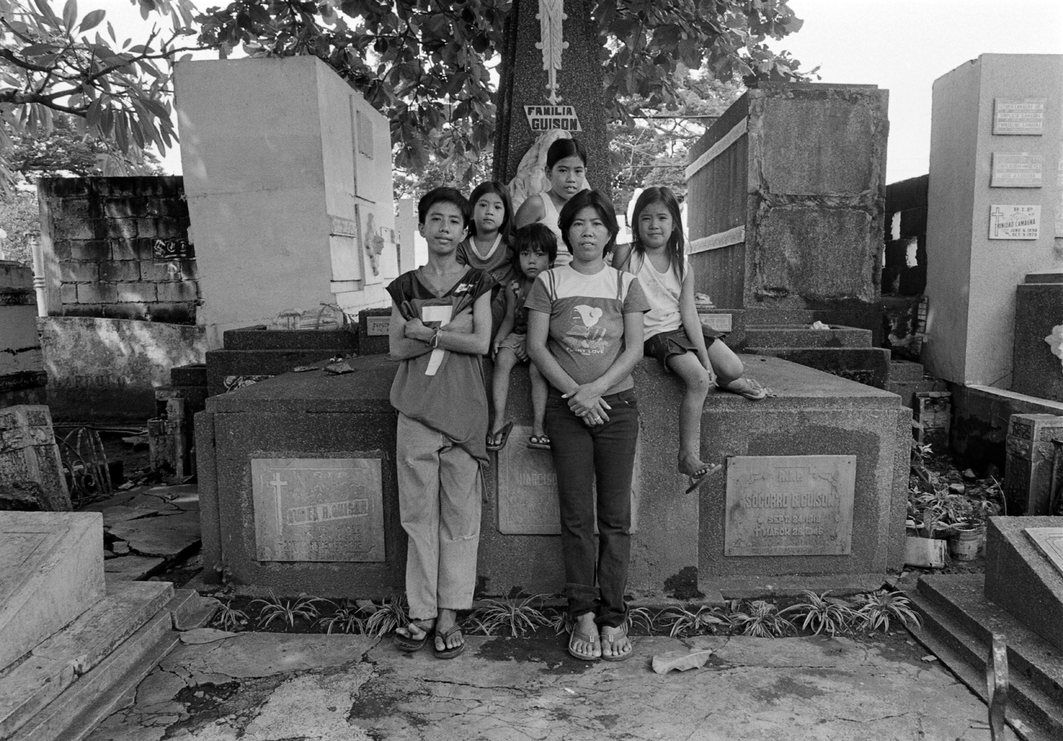 family north cemetery philippines graves crypt death