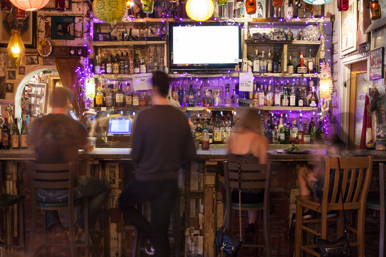 late night bar photographer