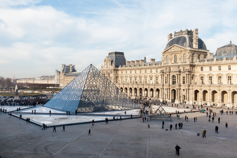 Louvre paris france rotunda