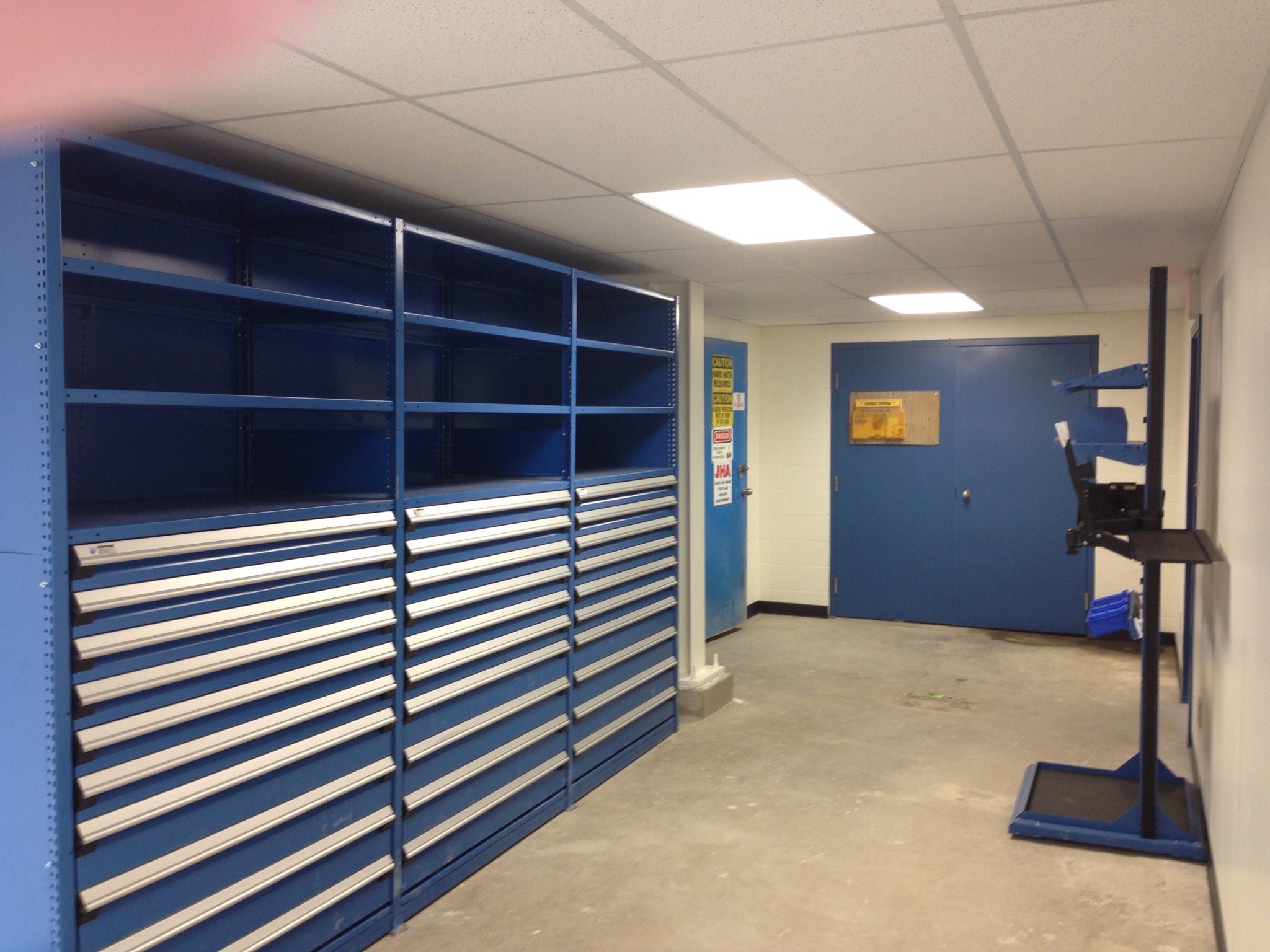WS01  Warehouse & Shops - General Contractors Commercial Renovations in Edmonton, Office and Warehouse Project Contractors