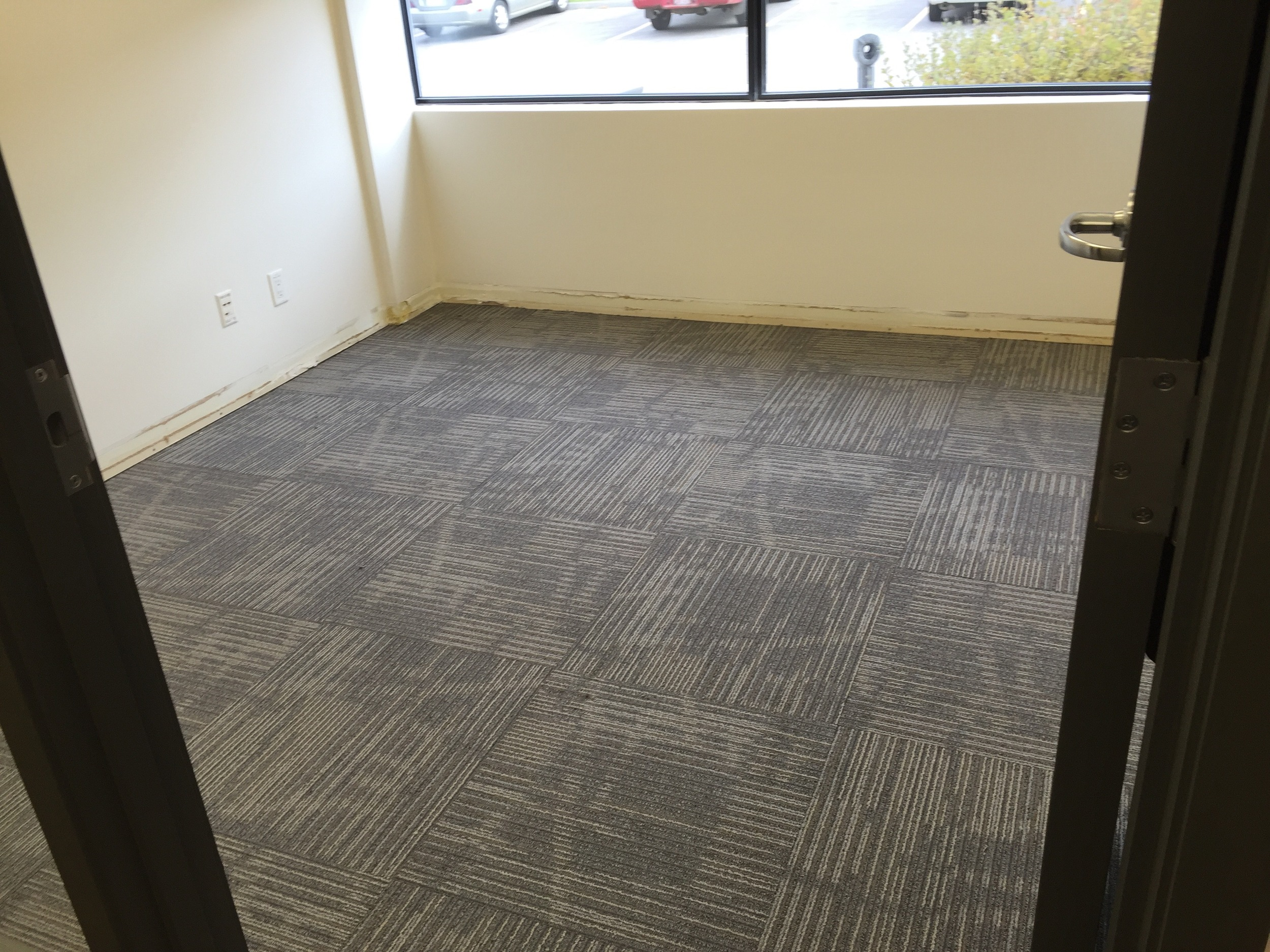 FC08  Floor Coverings - General Contractors Commercial Renovations in Edmonton, Office and Warehouse Project Contractors