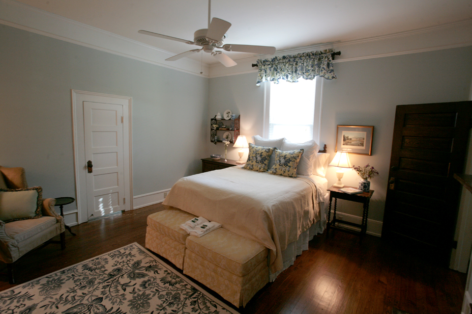 Goodwin Manor Room.jpg