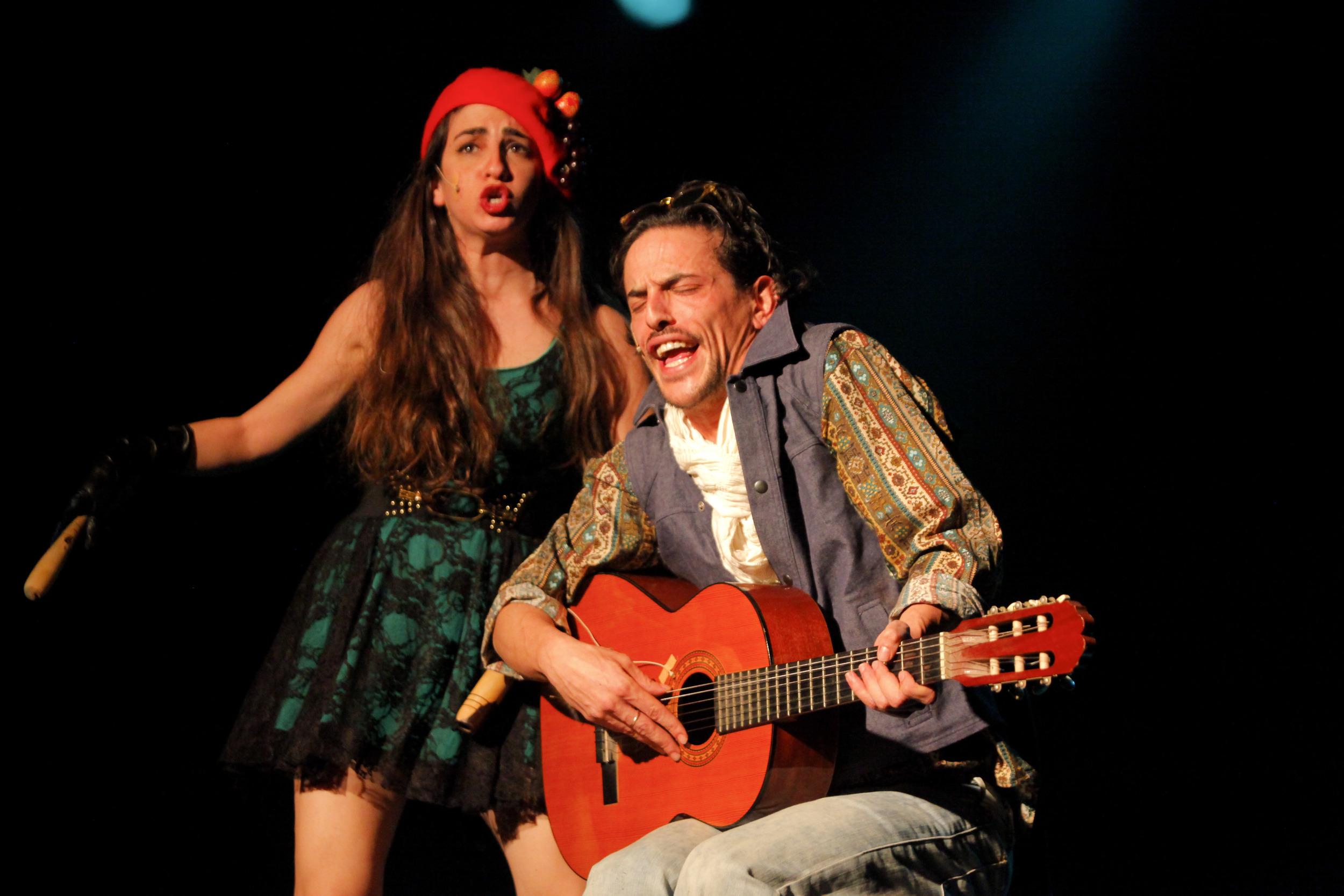 Ben and Dana performing a hilarious sketch in the English version of Tziporela
