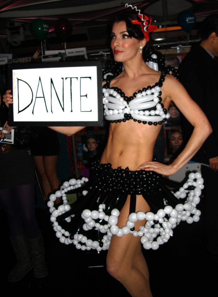 balloon-sculpture-dress.jpg