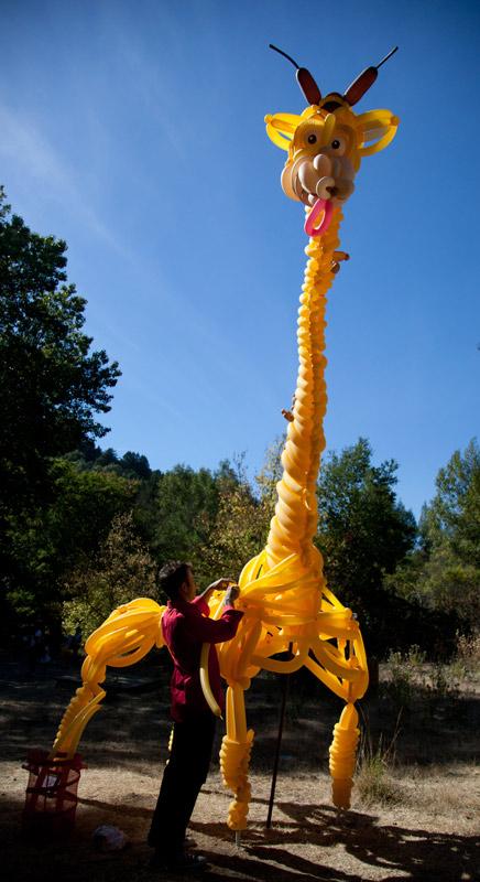 balloon-sculpture-giraffe-animal.jpg