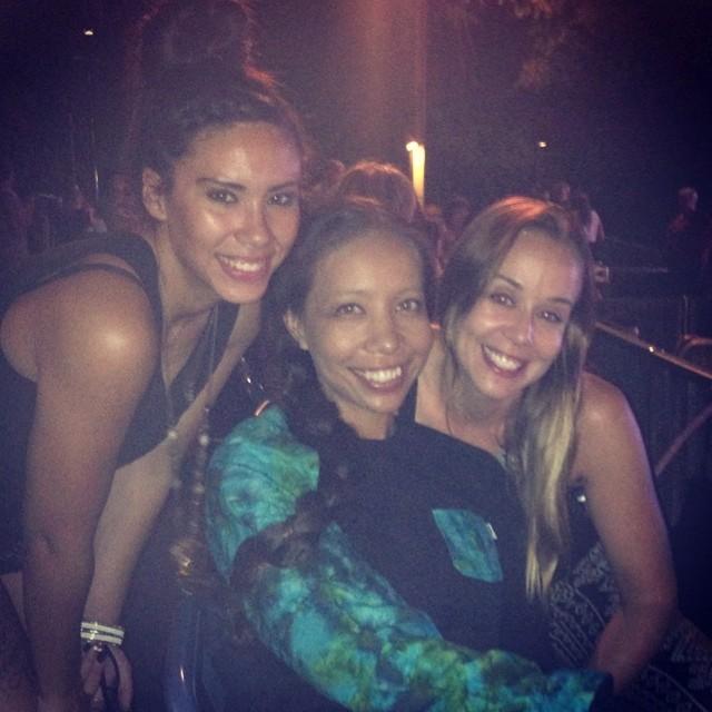 #AgeOfAquarius Good times last night w/ @nerdlikejazzy @mjallenn at #Hair #HollywoodBowl ☺️❤️love these two👯