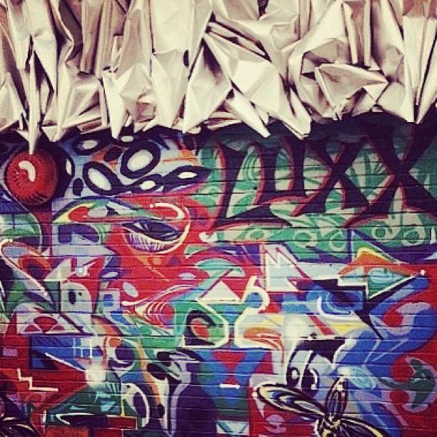 Rhythm flows. Energy goes. City hustlin' ⚡Luxx - Brooklyn #TBT #seekingthesequence @walkmanski85 ~ graff @marsartist ~ sculpture  Everyday Walkman -Chris Mendoza   MarsArtist - Gretchen Mars
