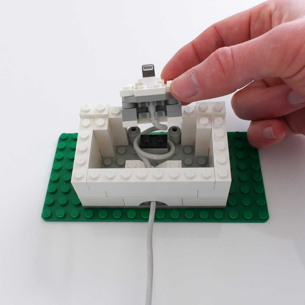 galletly-lego-iphone-dock-open.jpg