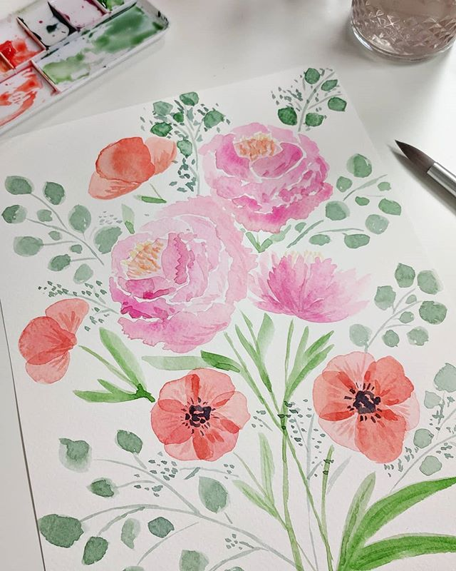 I've been wanting to work on my watercolor skills, so today I took a class with my mom as a belated Mother's Day/birthday celebration! This class really boosted my confidence. I've got a few watercolor surface pattern design ideas in mind that I'm excited to get started on! 🖌️🎨 Thank you to @amyrichardsillustration for your wonderful lesson and @craft_habit_raleigh for hosting!!