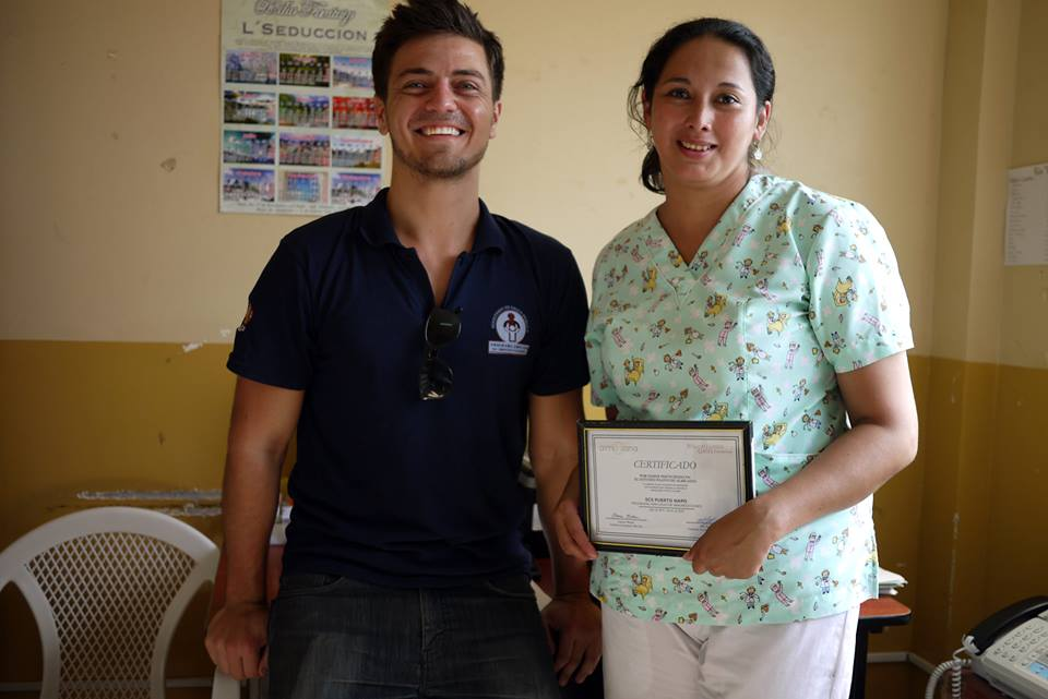 Alex Bozzette, our Ecuador Project Coordinator, during his final days in Tena, giving thank you gifts to the nurses he has worked with over the past 8 months to implement our Alma Sana study. Photo posted: January 30, 2014