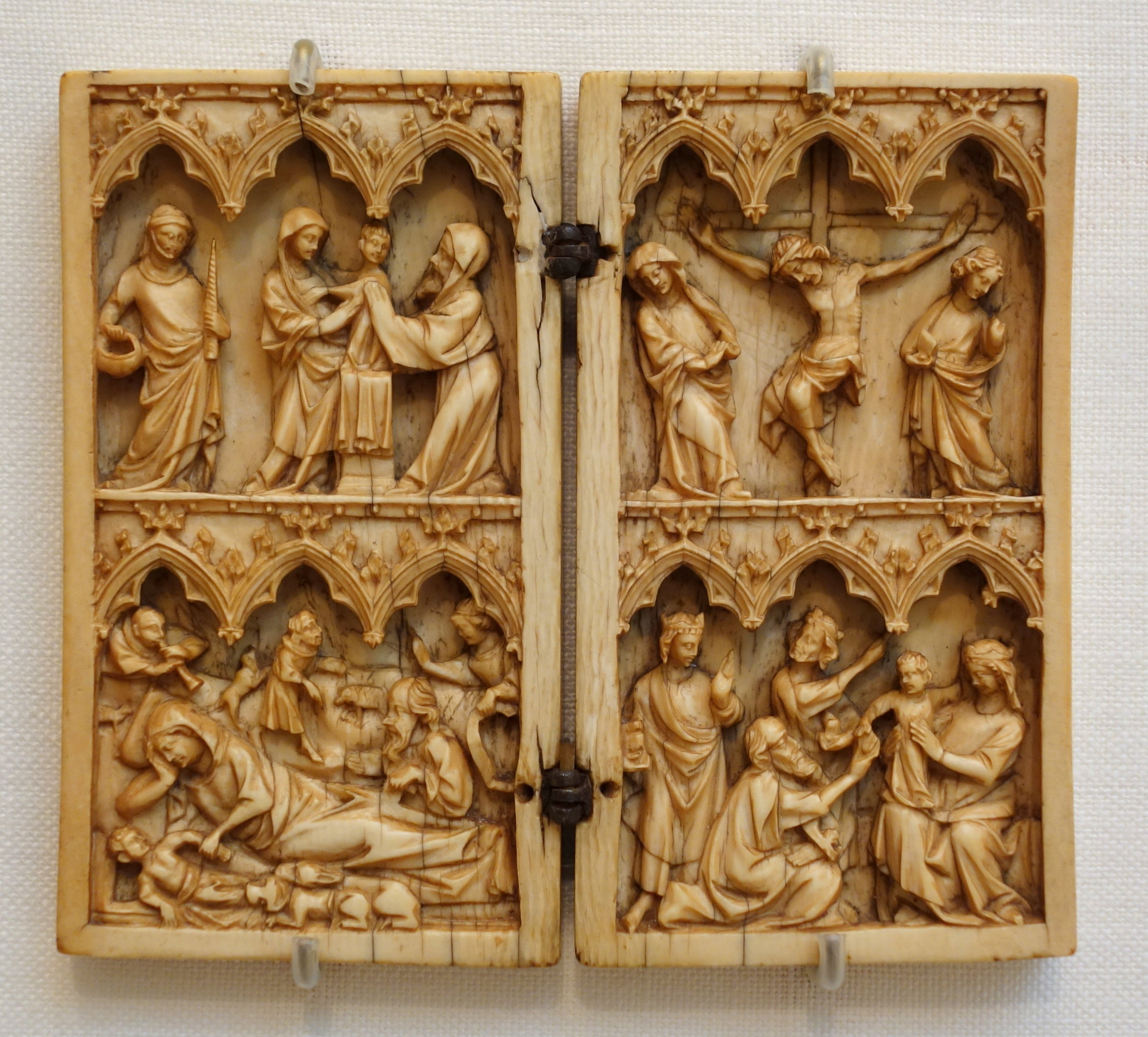 Diptych Depicting the Life of Christ in Ivory (14th century)