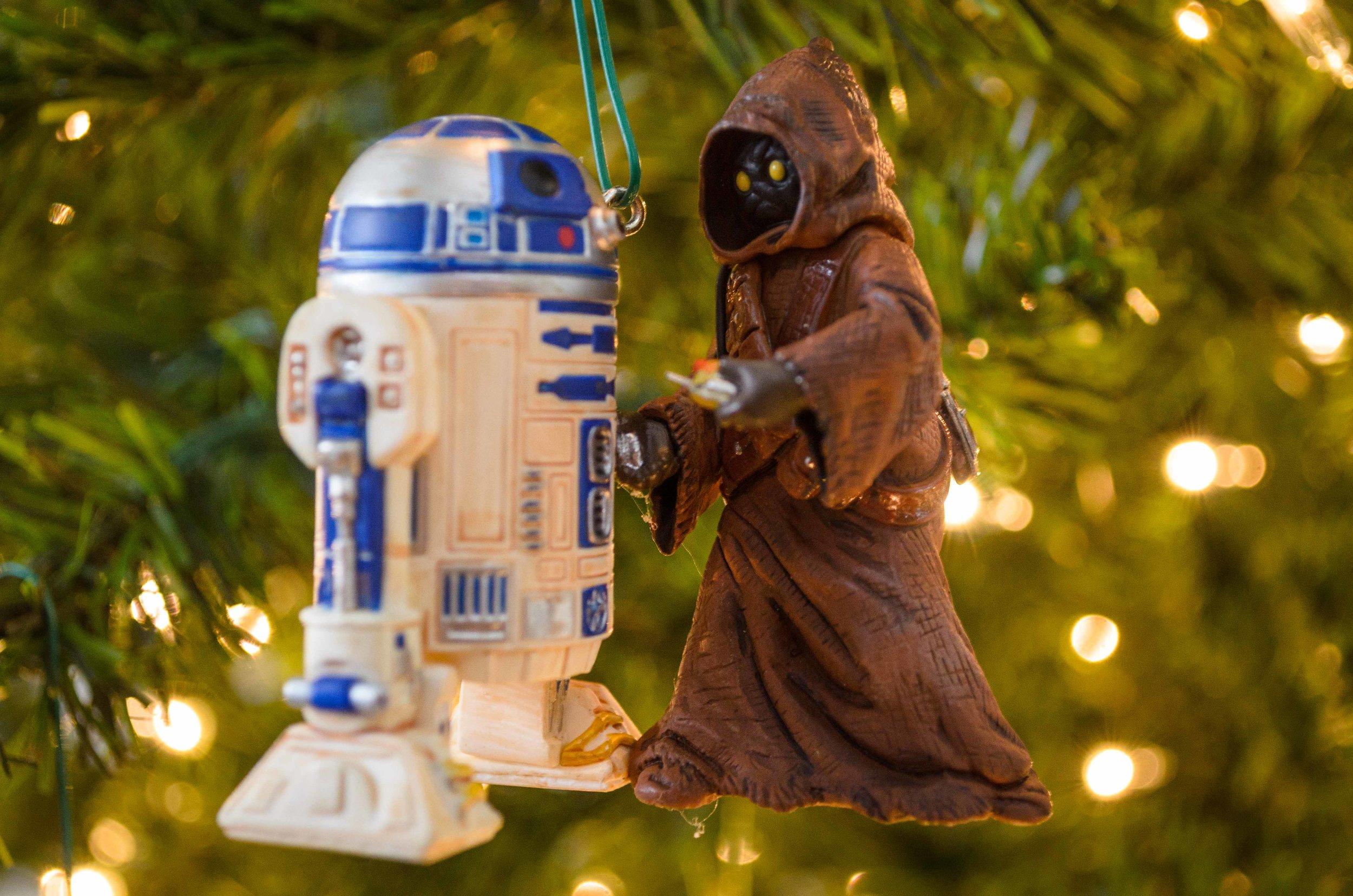 R2-D2 and a Jawa