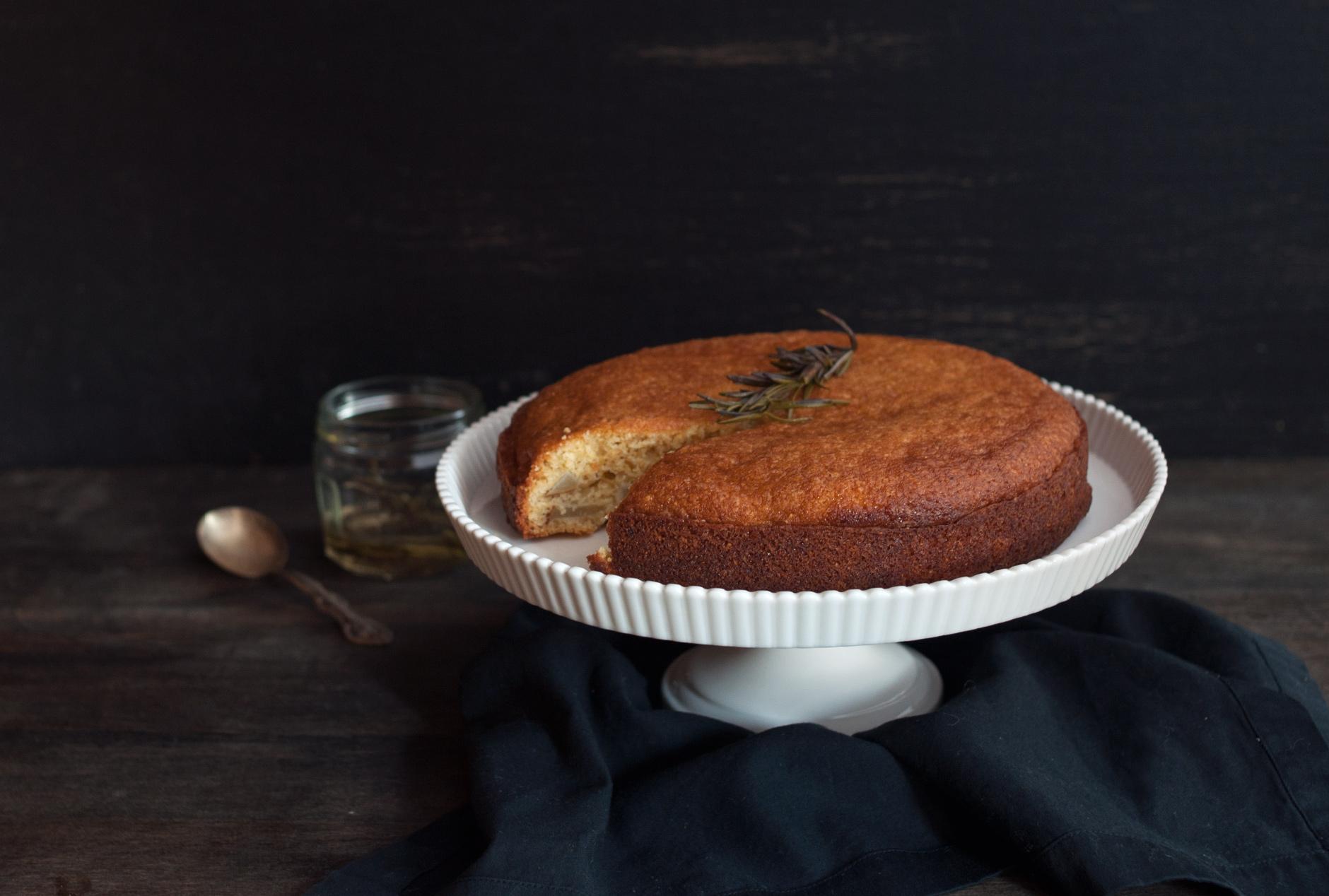 pear_cornmeal_cake_food_photography.jpg