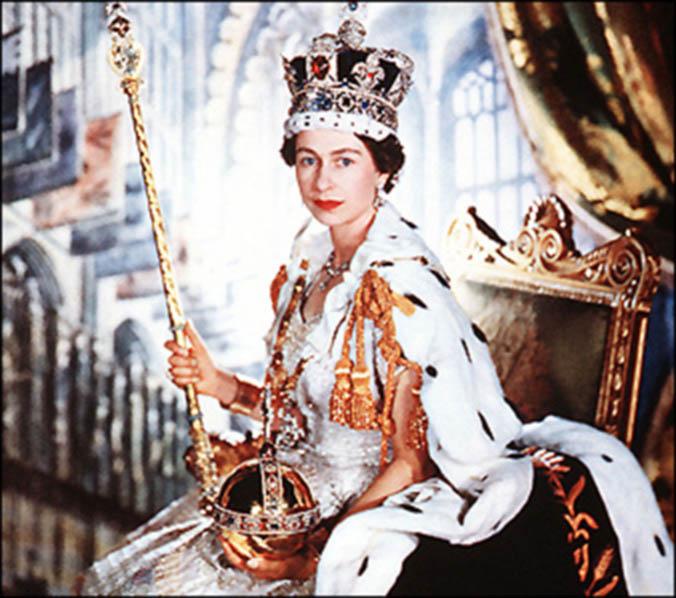 Queen-Elizabeth-II-Crown-Jewels-June-2_1953.jpg