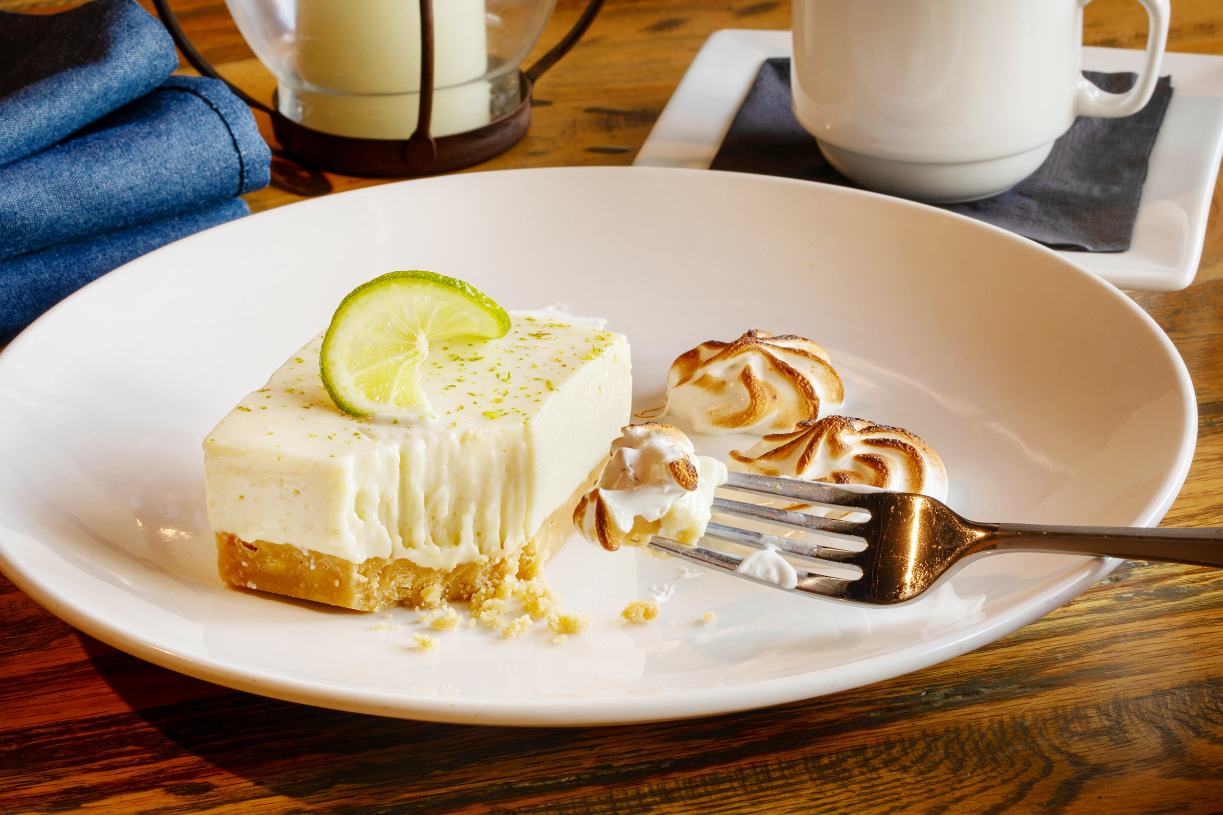 Key+West+Key+Lime+Pie-+Traditional+Key+Lime+Pie%2C+Nellie+%26+Joe%E2%80%99s+Key+Lime+Juice%2C+Graham+Cracker+Crust%2C+Toasted+Marshmallow+Whip-30.jpg