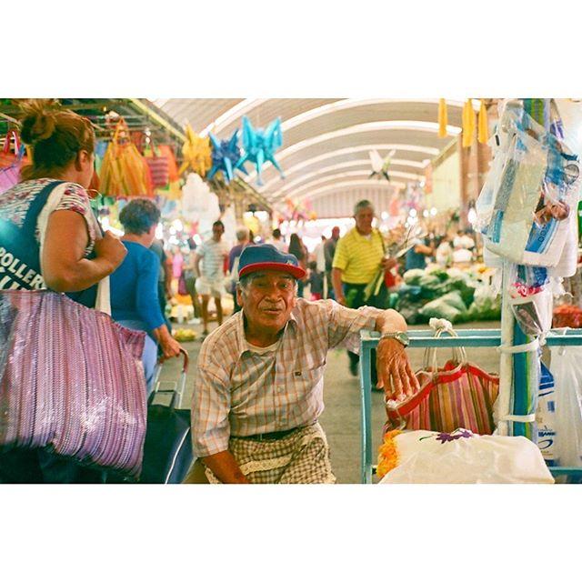 Mercado de Jamaica #35mm #mexicocity #🇲🇽