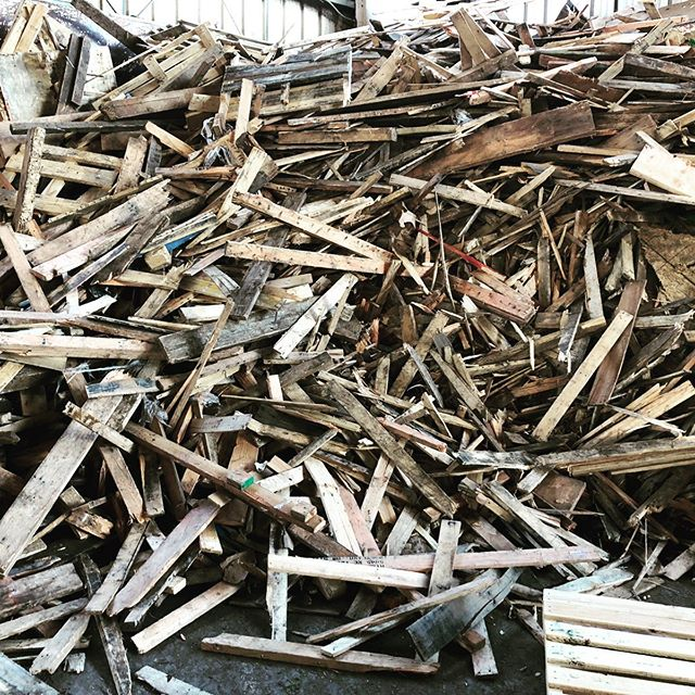 Advanced wood energy systems make sense not only in forested areas, but also where urban woody material is going to waste! Wisewood is working with @oregonmetro to help identify local markets for clean waste wood instead of sending it to the landfill, beginning with industrial facilities with large process heat demand. #wastetoenergy #biomassdoneright #renewableenergy