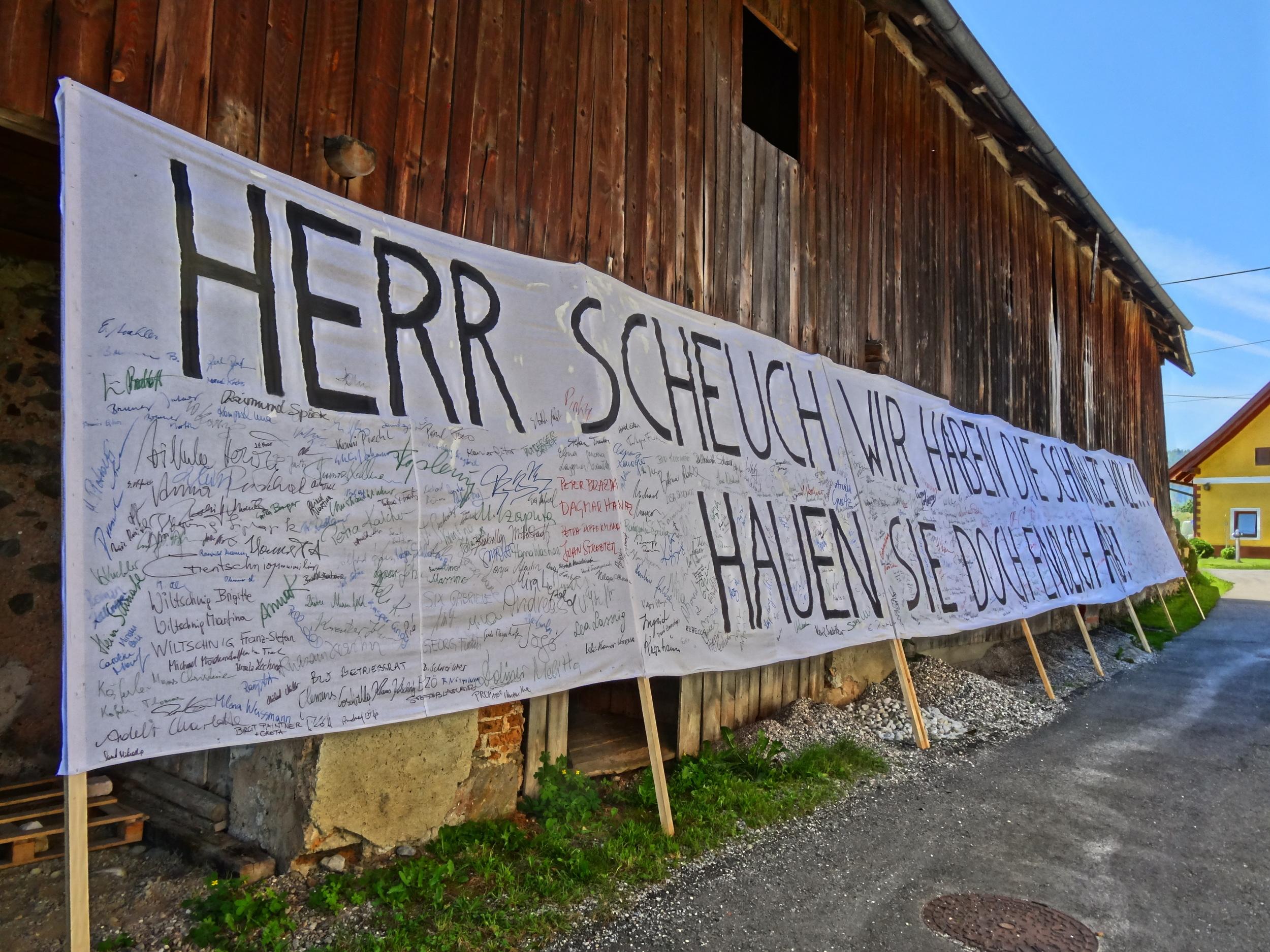 Scheuch Plakat bei Walter im Stadl.JPG