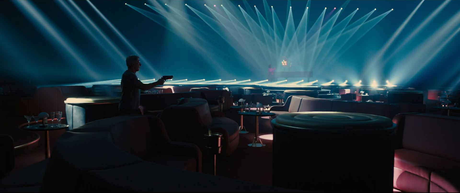 Harrison-Ford-as-Rick-Deckard-in-Blade-Runner-2049.jpg