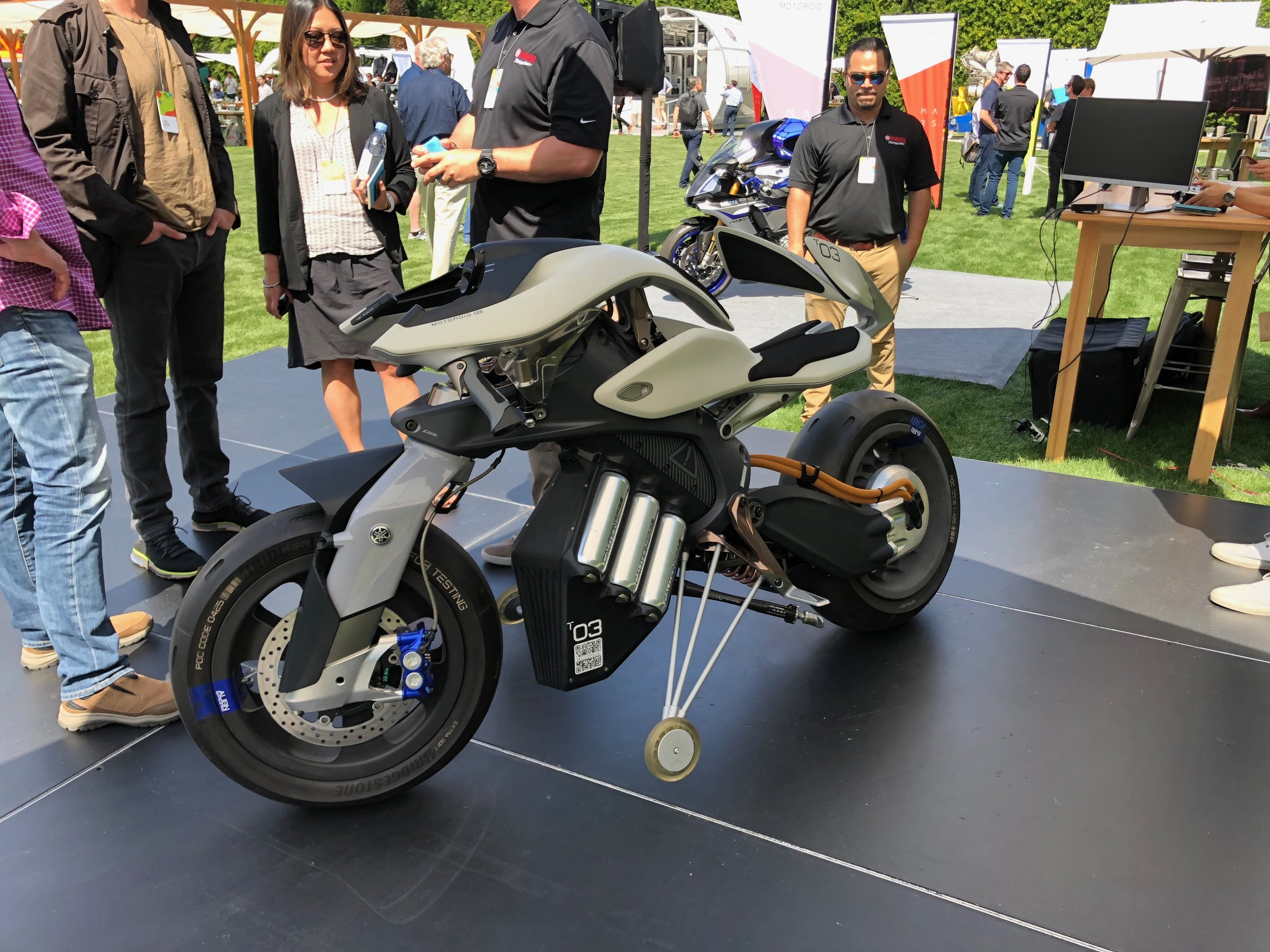 Yamaha self balancing electric motorcycle