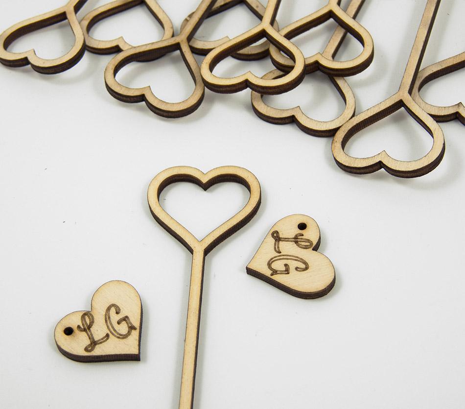 coeur toppercake caketopper sur-mesure en bois pour décoration gâteaux mariage - personnalisable