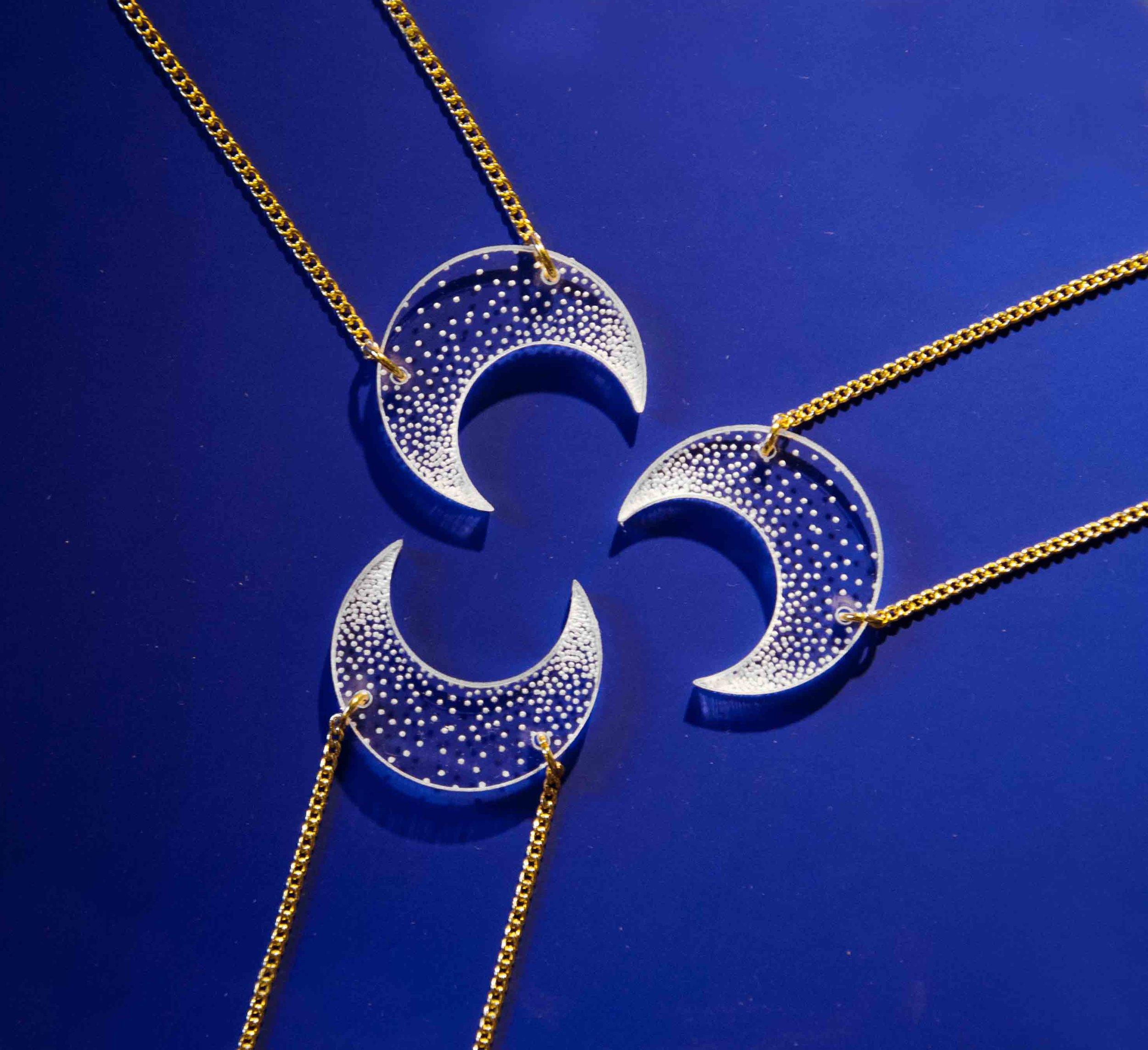 """bijou bijoux - collier sautoir - plexi bois - """"made in france"""" fabriqué en France - assemblé à la main - créateur - lune moon"""