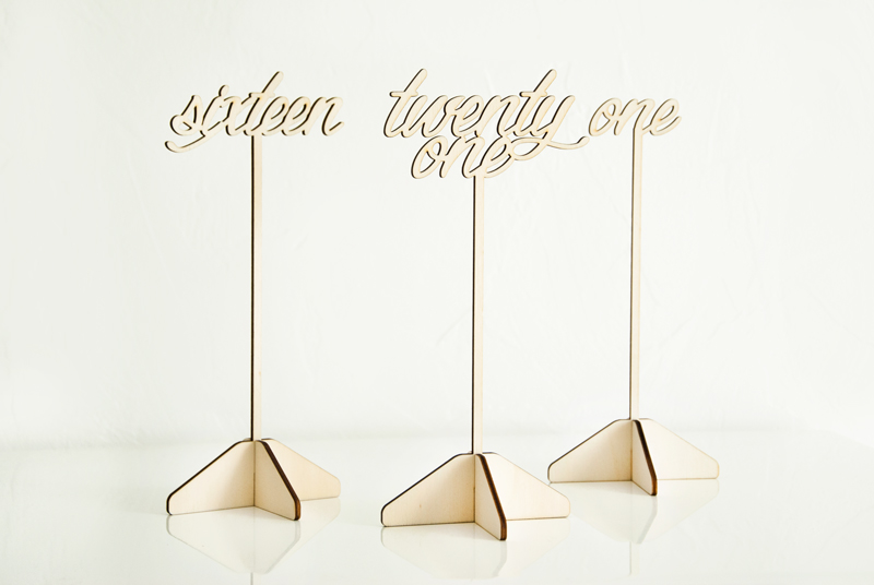 numéro de table en bois pour mariage décoration