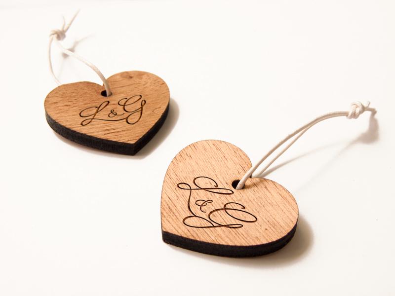 Porte-clefs sur-mesure personnalisés, en bois, gravés